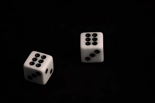What is the basic rule to play boyapoker?